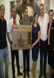 Acidi faz entrega dos prêmios do sorteio - Para uma Supermãe, Uma Superpromoção