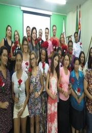 Acidi faz entrega de rosas em homenagem ao Dia Internacional da Mulher